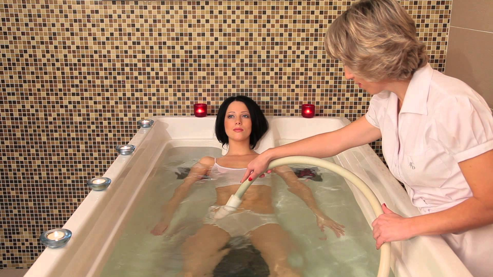smotret-filmi-erotiki-zhenshinu-priglasili-v-sanatoriy-na-seks-protseduri-laskal-a-potom-otimel